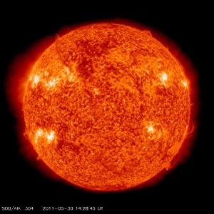 SDO/AIA 304 2011-05-30 14:25:45 UTC (Klicken um zu vergrössern)